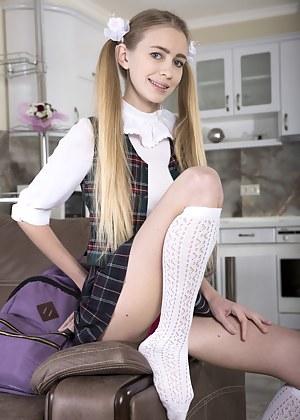 Sexy Teen Schoolgirl Porn Pictures
